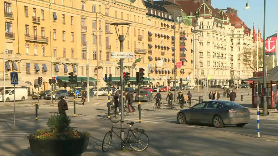 Coronavirus: Stockholm remains busy with people walking around as per usual