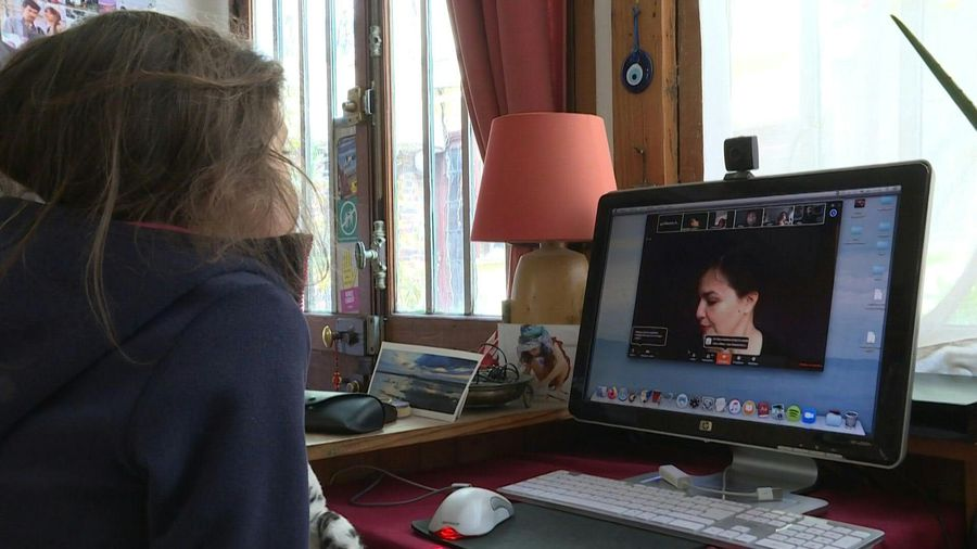 French actors read children stories online during COVID-19 confinement