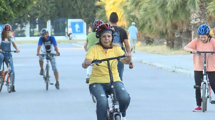Women cyclists challenge gender norms in Tunisia