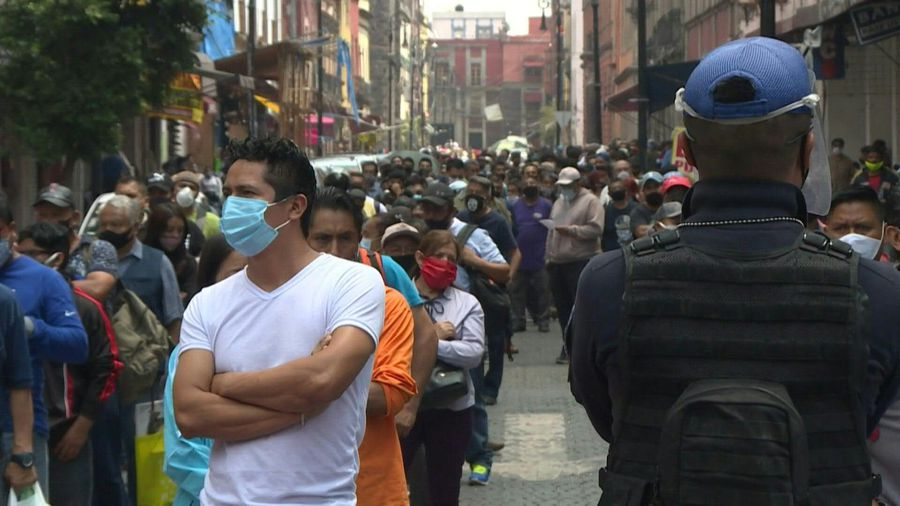 Authorities regulate entry to Mexico City centre