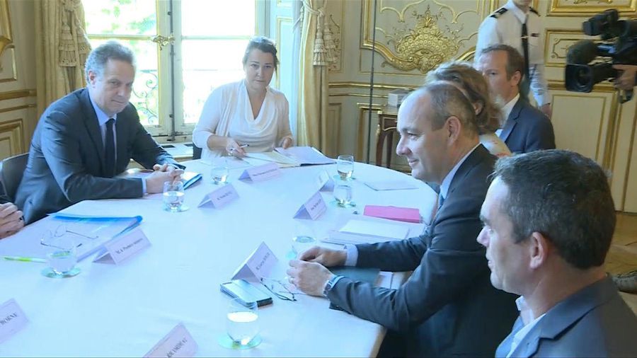 Round table images of new French PM Castex and trade unions