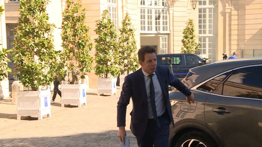 French PM hosts business leaders for talks at Matignon