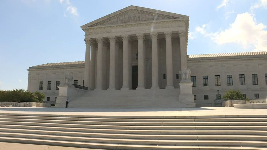 US: Supreme Court expected to release decision on Trump taxes