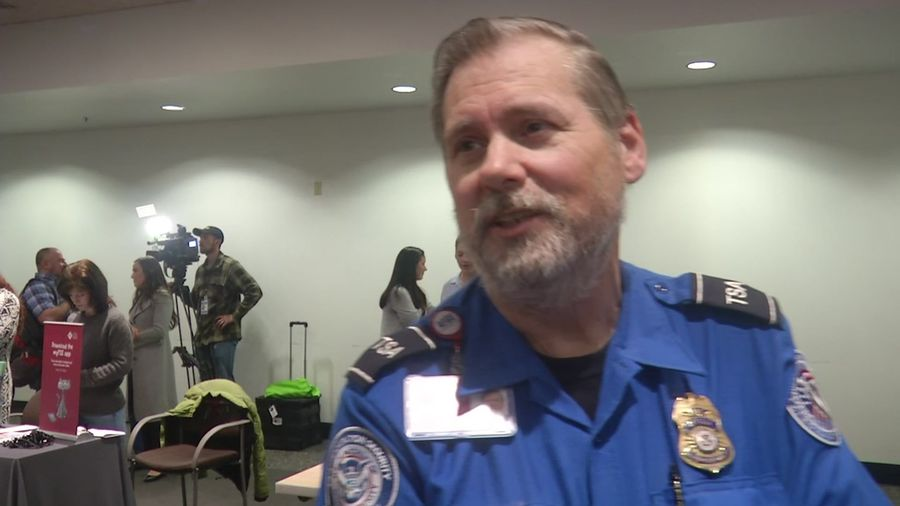 Seattle airport holds fair for federal workers