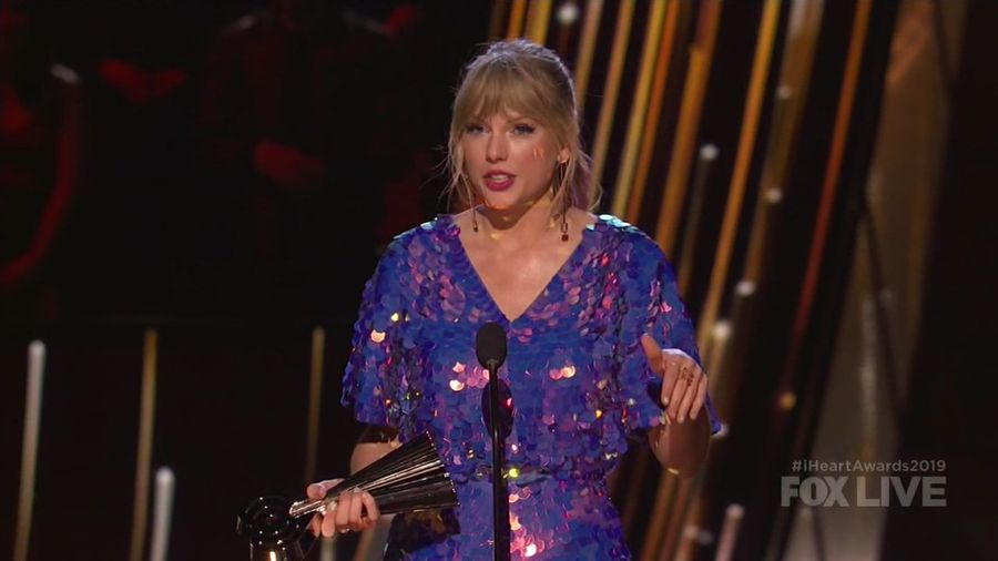 Swift takes aim at haters at iHeartRadio Awards