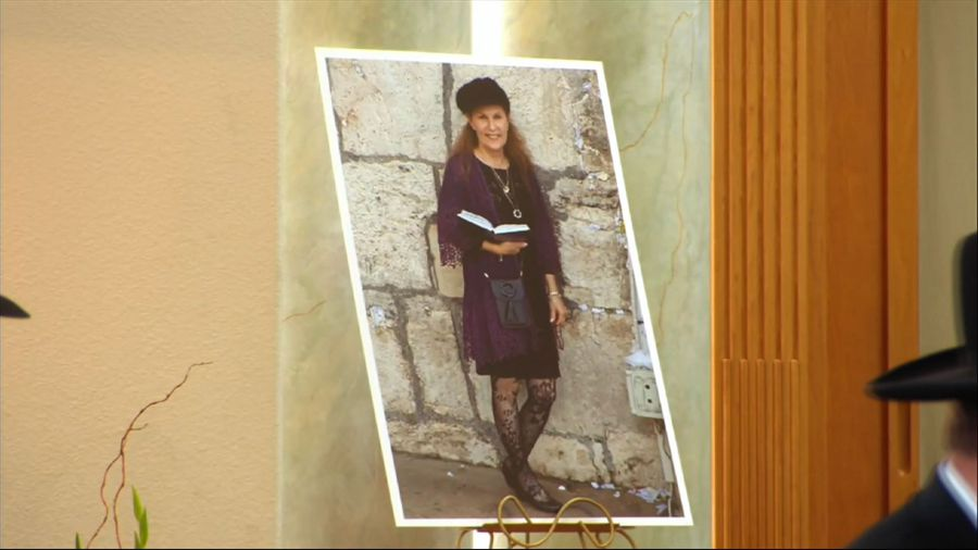 Packed synagogue honors woman killed in attack