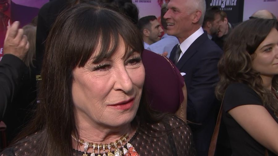 Anjelica Huston: 'I don't want to be an example to anyone'