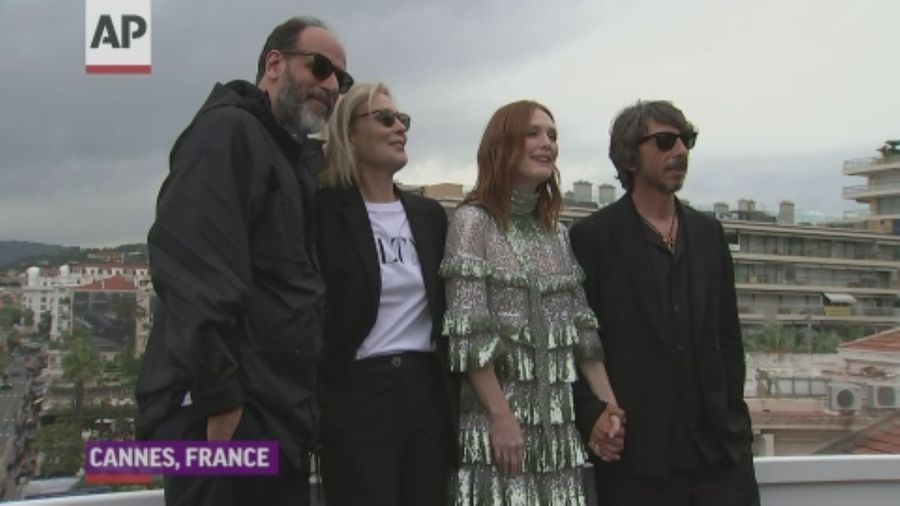 Julianne Moore on why 'human beings' want to wear 'green sequined Valentino in the afternoon'