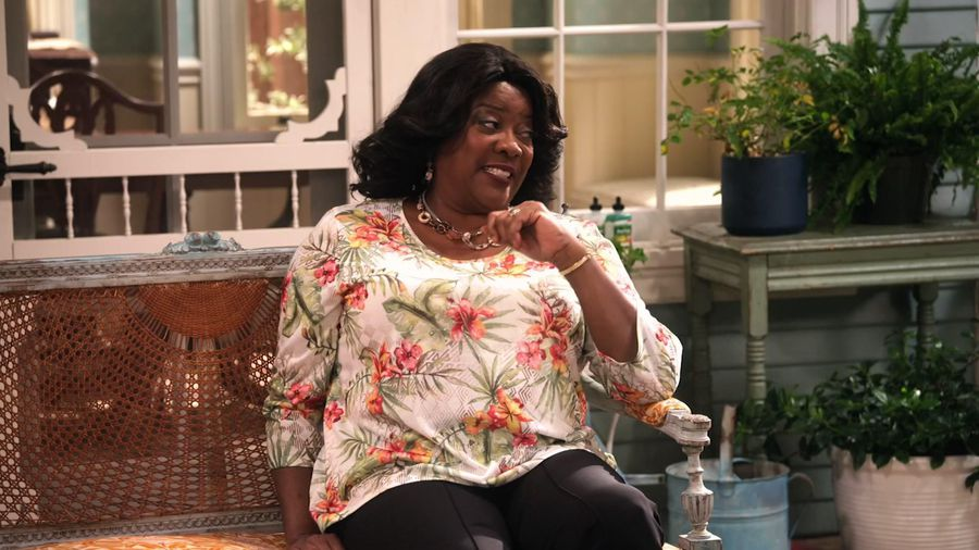 Loretta Devine speaks her mind on 'Family Reunion'