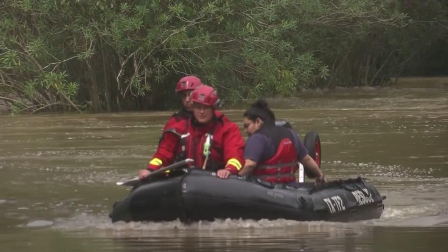 Texas residents rescued from flooded homes