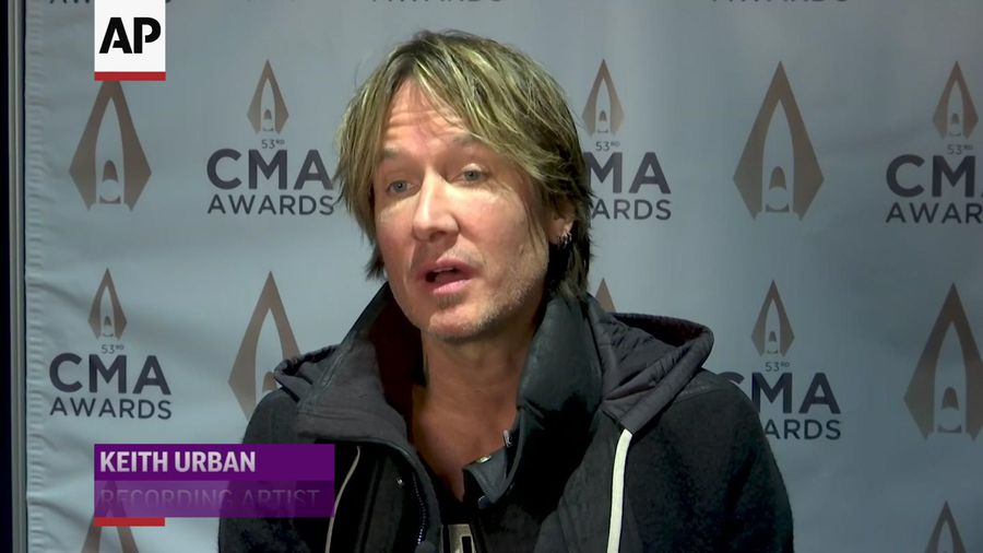 Why Keith Urban wings it at awards ceremonies
