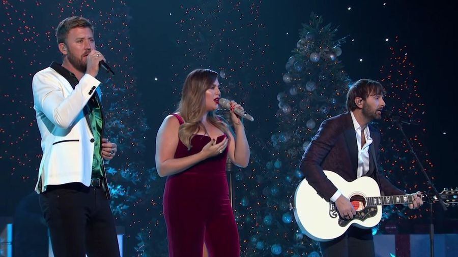 Country music and Christmas go hand-in-hand for ABC special