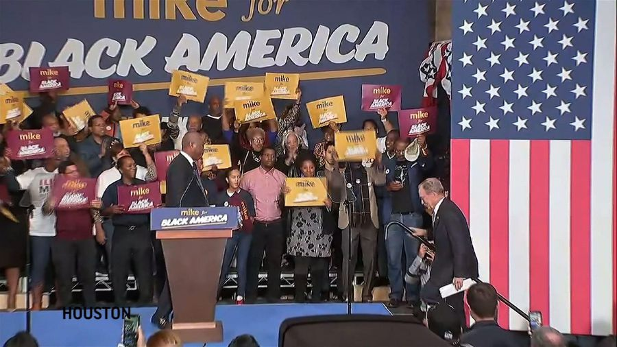 Bloomberg in Houston, campaigns for Black votes