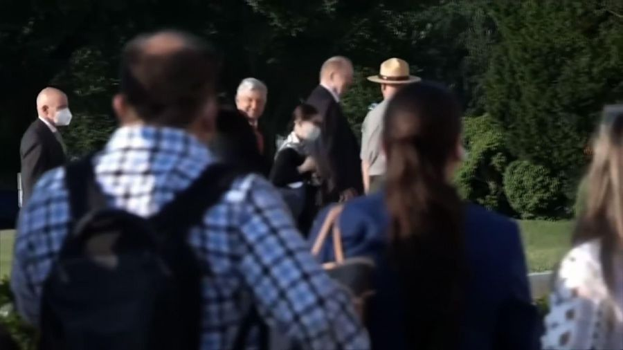 Mexican president visits memorials in US