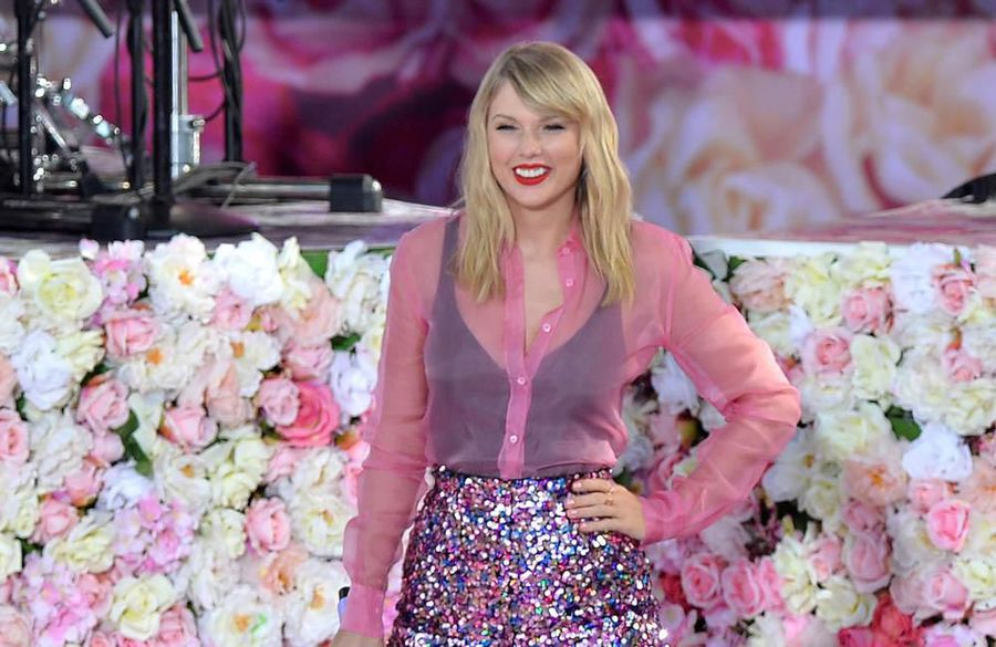 Taylor Swift 'tossing out' negativity ahead of 30th birthday