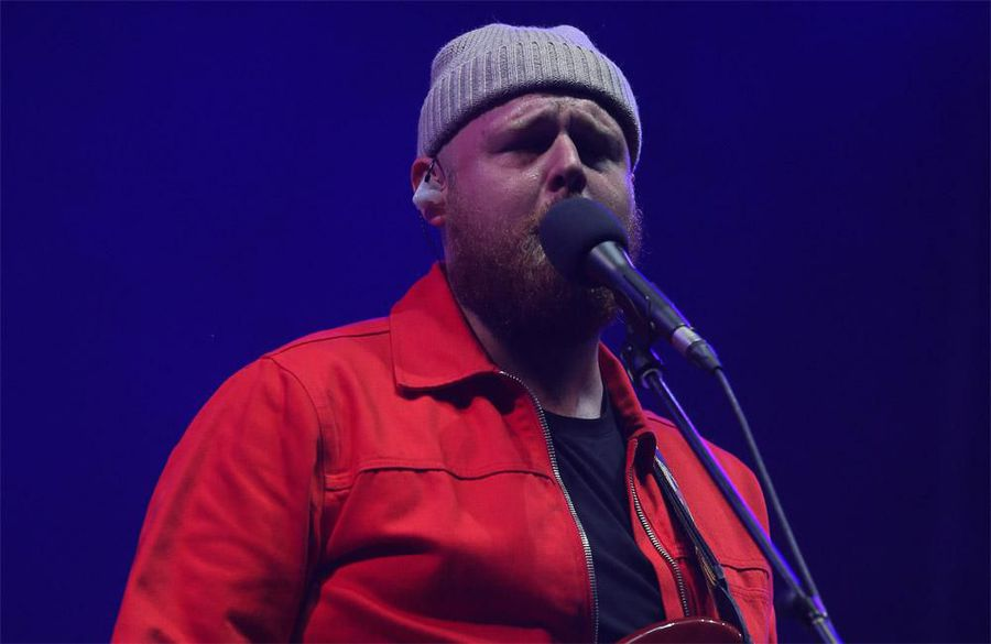 Tom Walker says writing is like 'therapy'