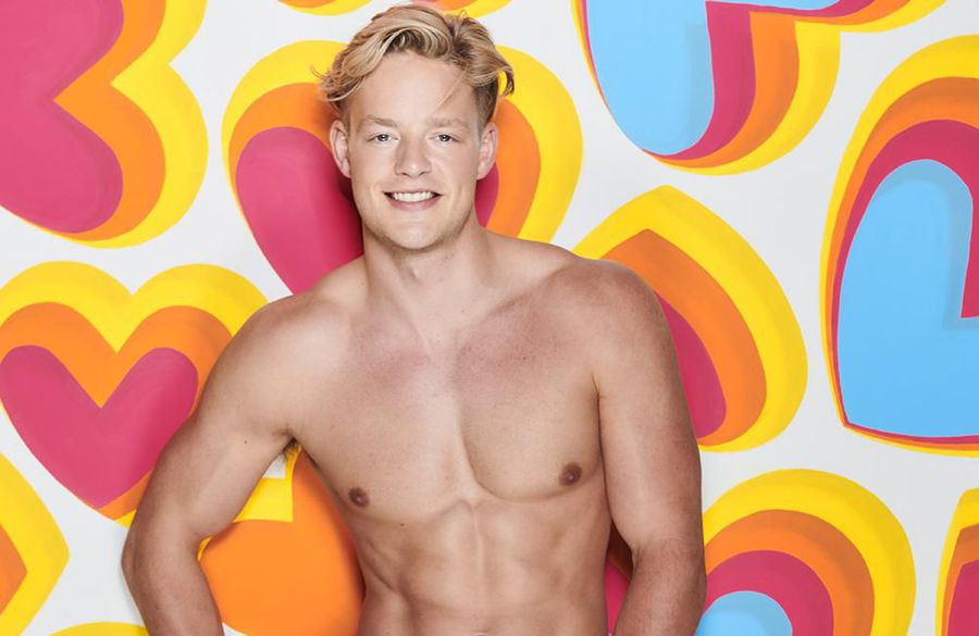 Love Island's Ollie Williams denies killing animals