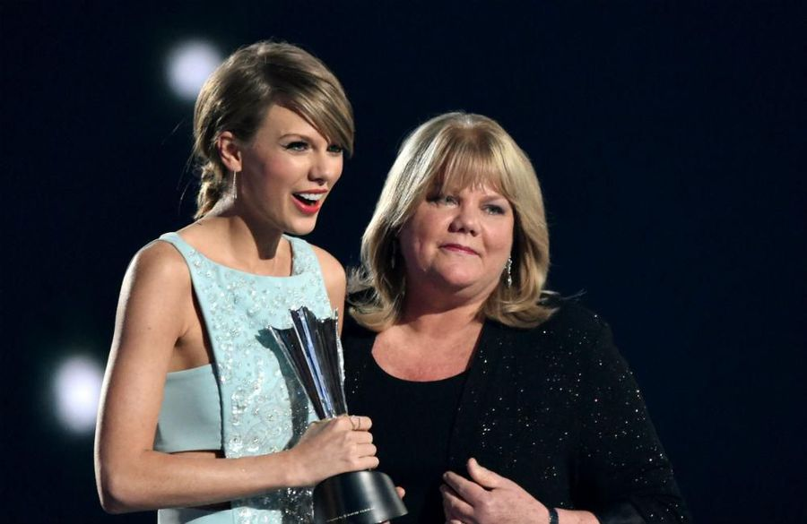 Taylor Swift's mother has brain tumour
