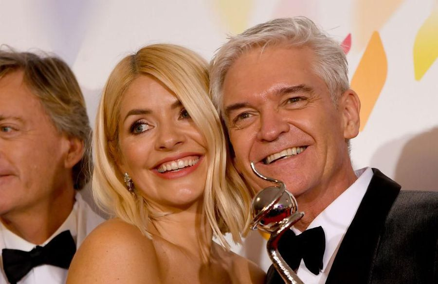 Holly Willoughby and Phillip Schofield toast NTAs success by 'mixing' drinks