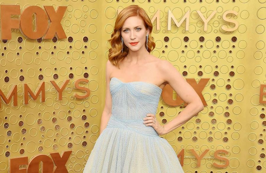 Brittany Snow bonds with fiance over cutlery