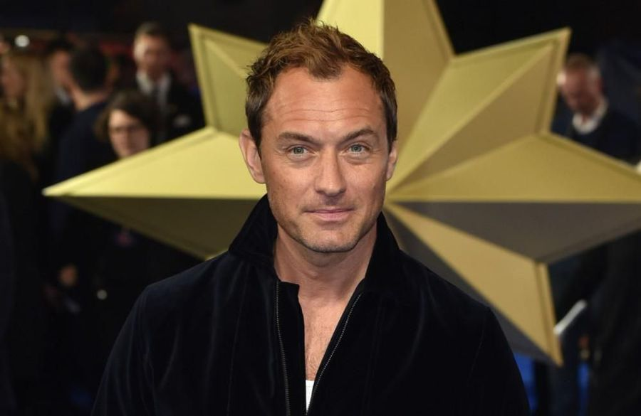 Jude Law 'in talks' to play Captain Hook in Disney's 'Peter Pan and Wendy'