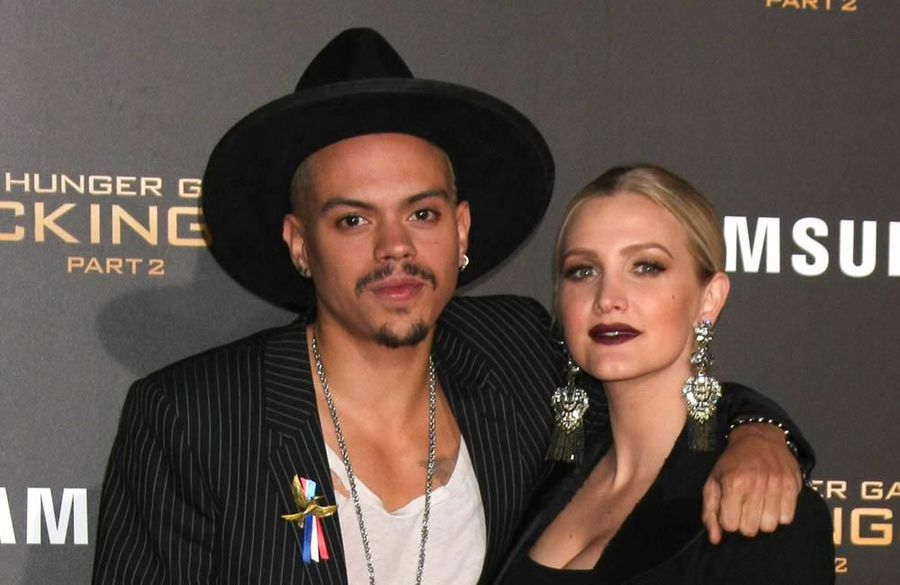Ashlee Simpson and Evan Ross release joint single 'Paris'