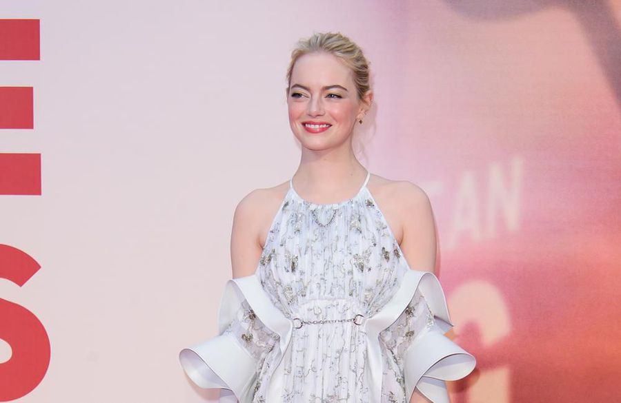 Emma Stone says women in Hollywood aren't 'rivals'