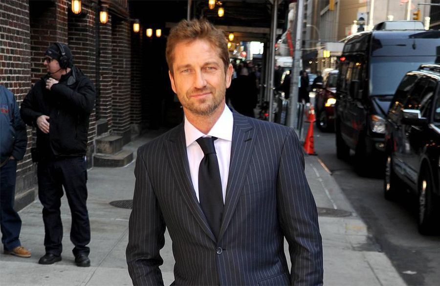 Gerard Butler accidentally flashed guests at his sister's wedding
