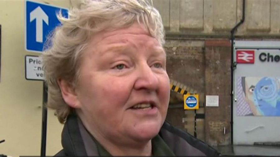 Woman wins 'confusing' bus gate appeal