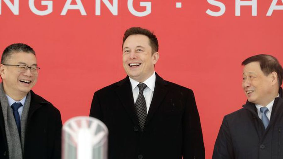 China Offers Green Card to Elon Musk