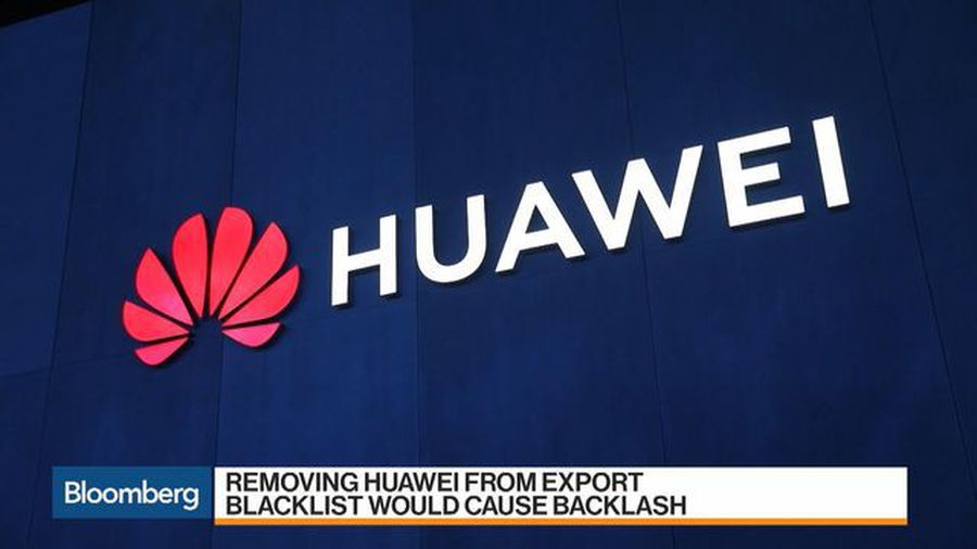 Trump Pressured by Congress to Stay Tough on Huawei