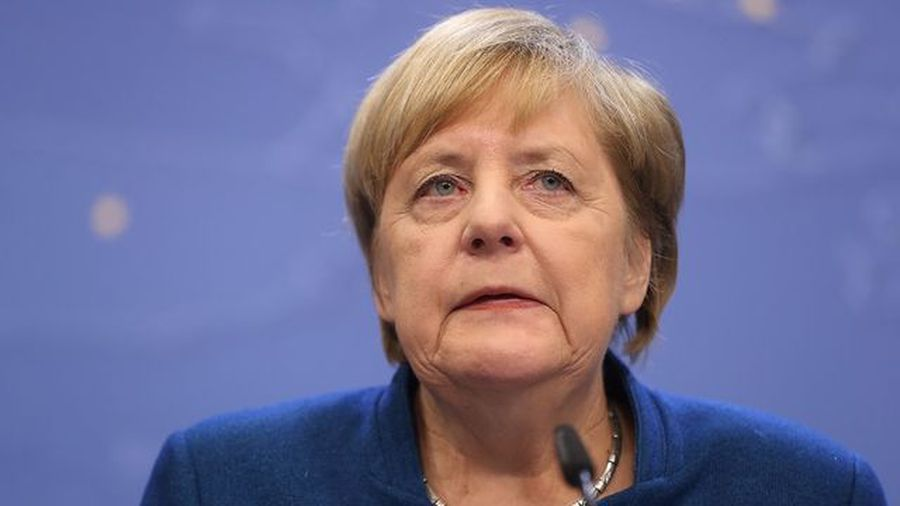 Germany's Merkel Opens Door to European Banking Union