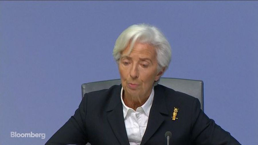 Lagarde Says Manufacturing Weakness Is a Drag on Growth
