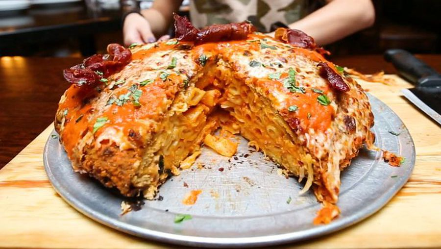 We tried a stuffed chicken parmesan pizza weighing 7 pounds