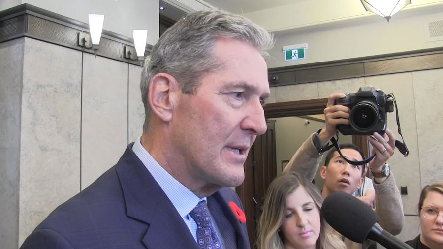 Manitoba premier wants to be unifying force between Trudeau government and the West