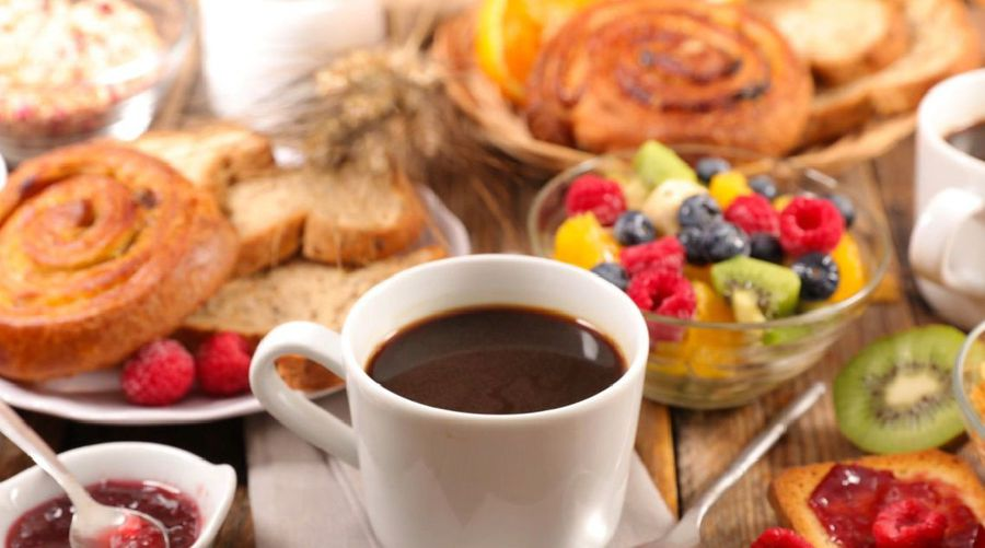 A Big Breakfast Burns More Daily Calories, Study Says