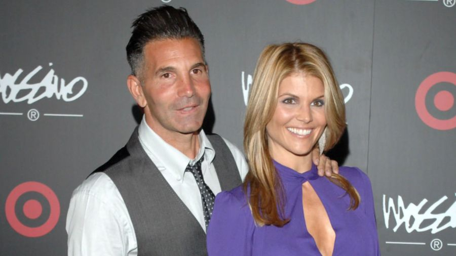 Lori Loughlin's lawyer claims new evidence 'exonerates' actress in college admissions scandal