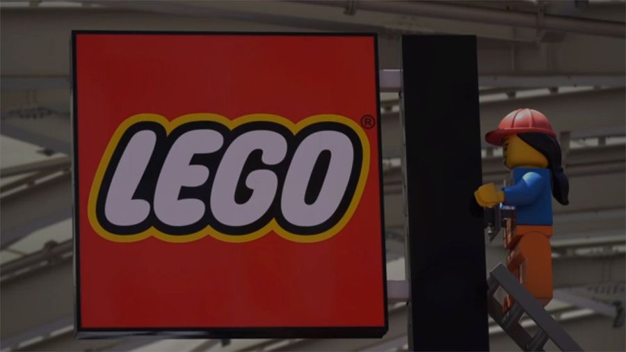 LEGO Pulls Advertising for White House and Police Building Sets
