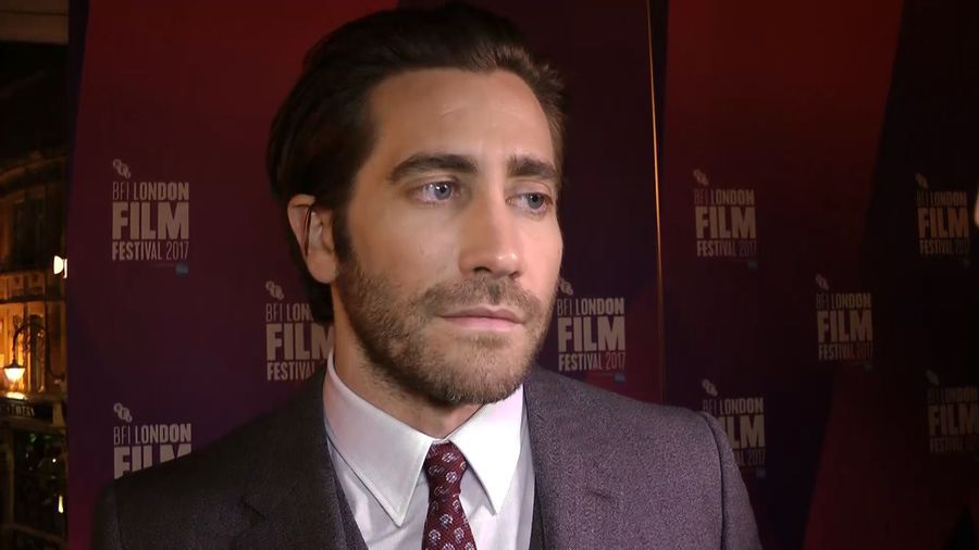 Jake Gyllenhaal heaps praise on pal Ryan Reynolds in heartfelt essay