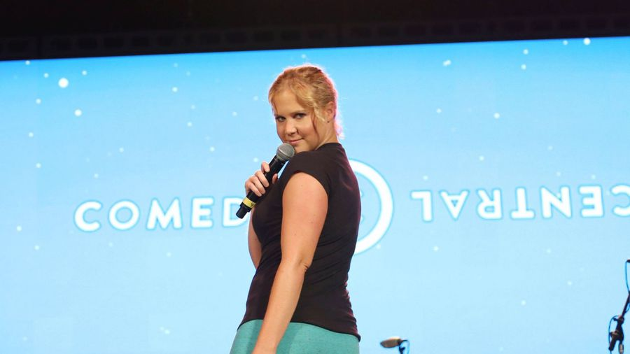 Amy Schumer returns to comedy stage two weeks after birth of son