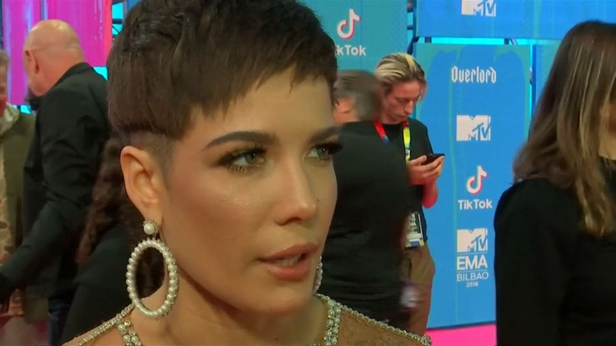 Watch Halsey breaks her toe during jungle rescue mission | Video