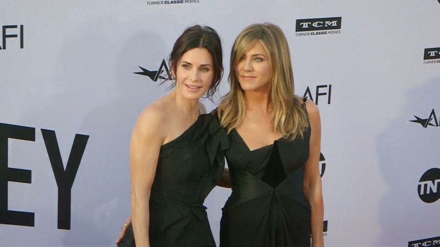 Jennifer Aniston backtracks on 'FRIENDS' reunion remark