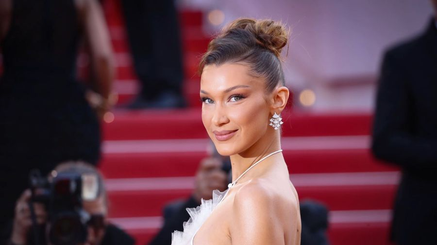 Bella Hadid apologises for shoe snap drama