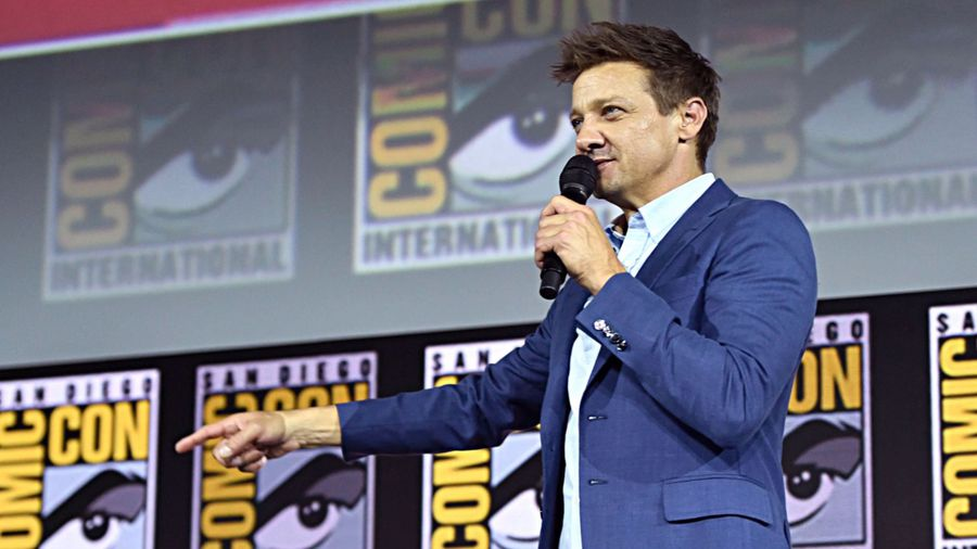 Jeremy Renner pleads with Sony Pictures for Spider-Man Marvel homecoming