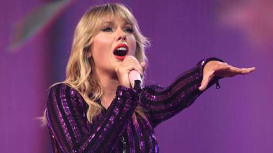 Taylor Swift asks fans for help after music moguls block her from performing old songs on TV