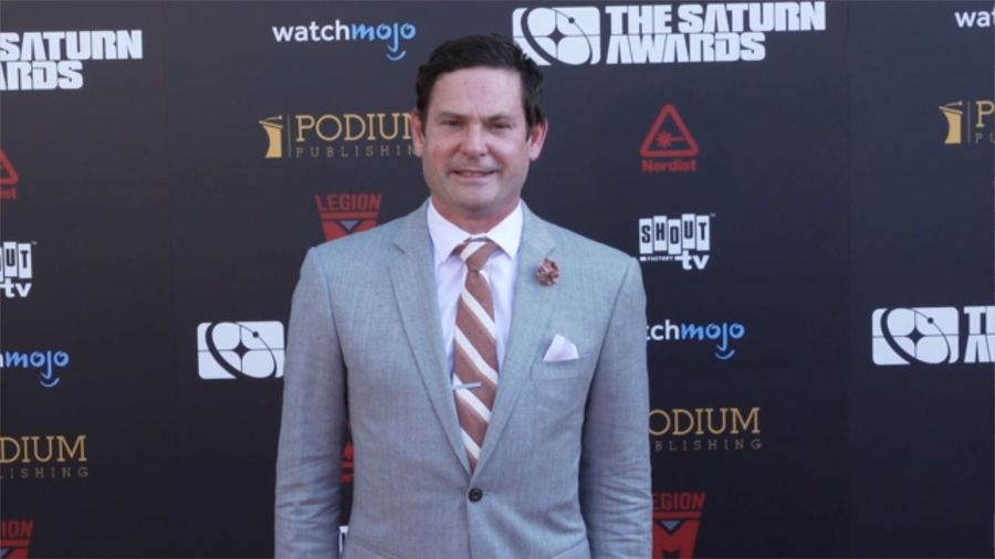 Henry Thomas cuts no-jail plea deal in dui case