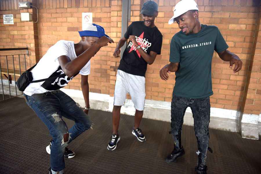 'Ama Uber' gets the whole of South Africa dancing