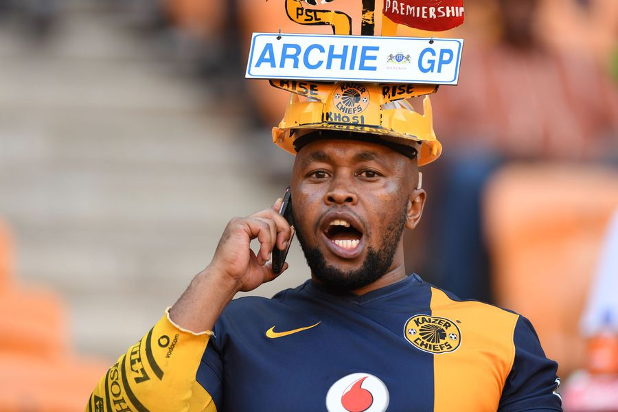 Kaizer Chiefs fumble as Absa Premiership title chase gets hot