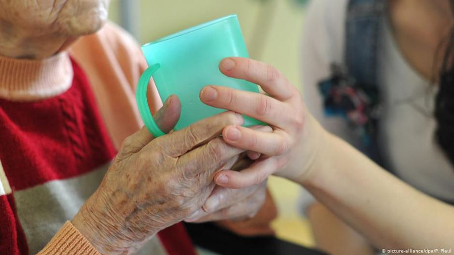 Germany: Carers from overseas