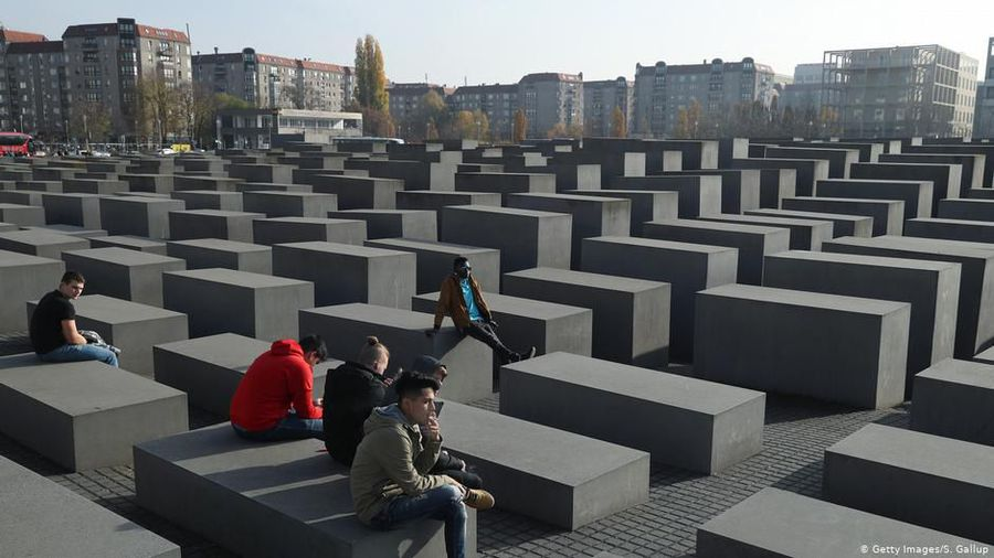 Commemoration at the Holocaust Memorial
